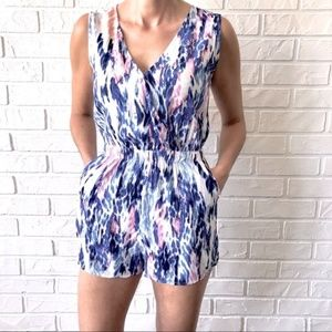 Wrap front flowy graphic print romper play suit XS